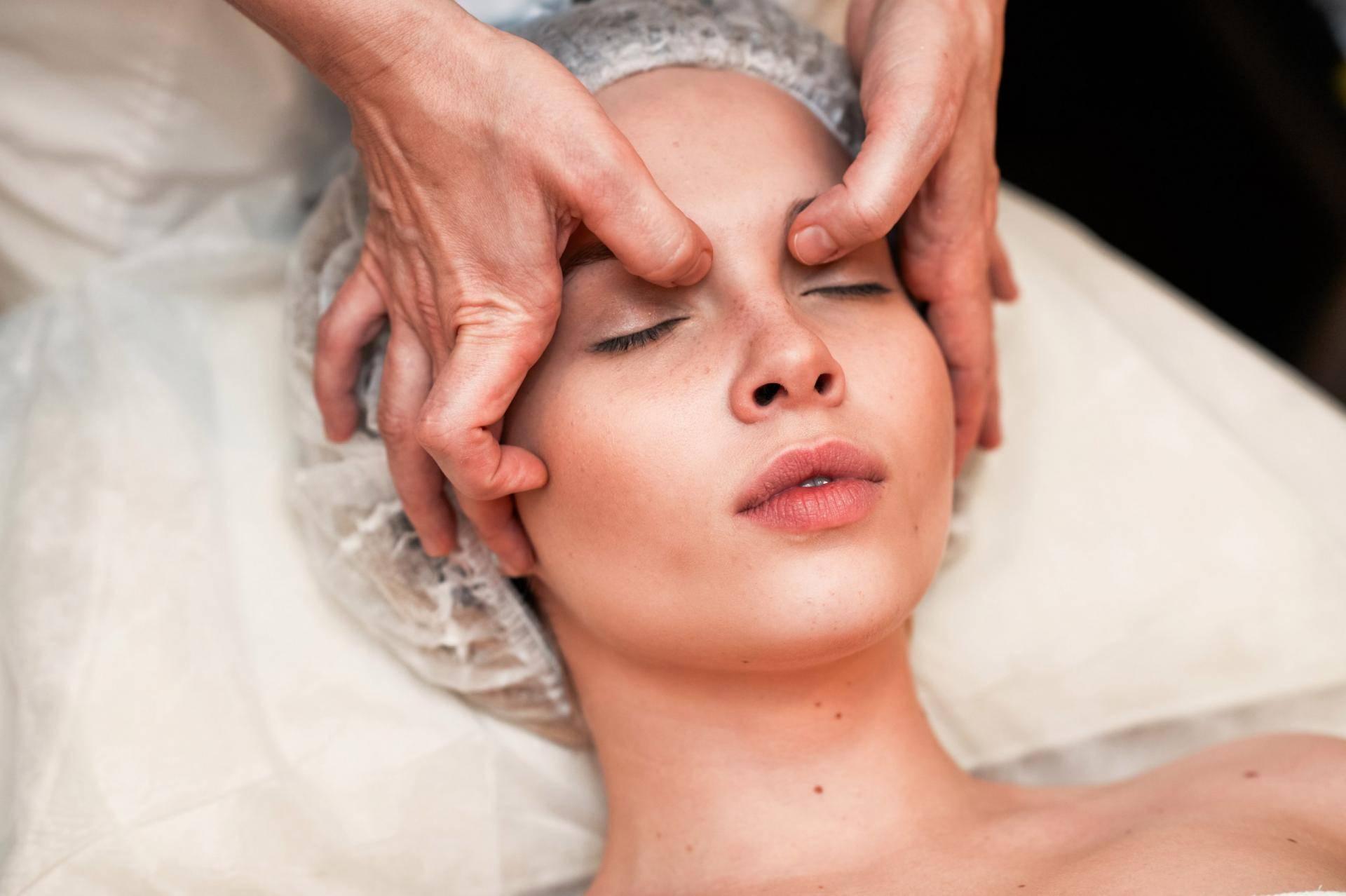 Пластический массаж лица: показания и методика, фото до и после