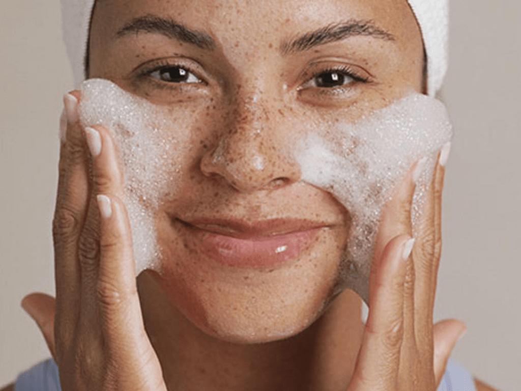 Как очистить забитые поры на лице в домашних условиях
