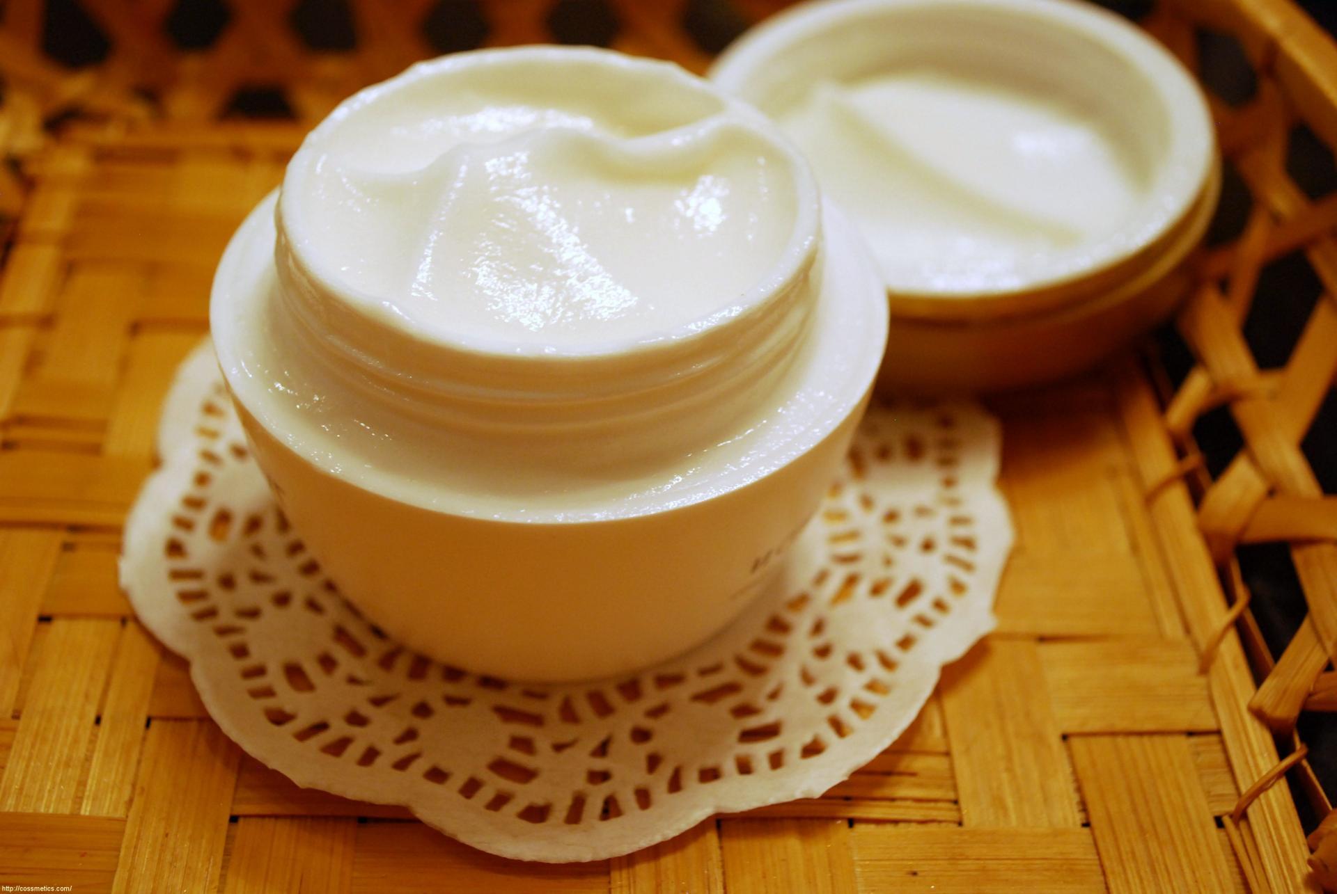 Рецепты приготовления эффективных кремов для лица в домашних условиях от морщин после 50 лет
