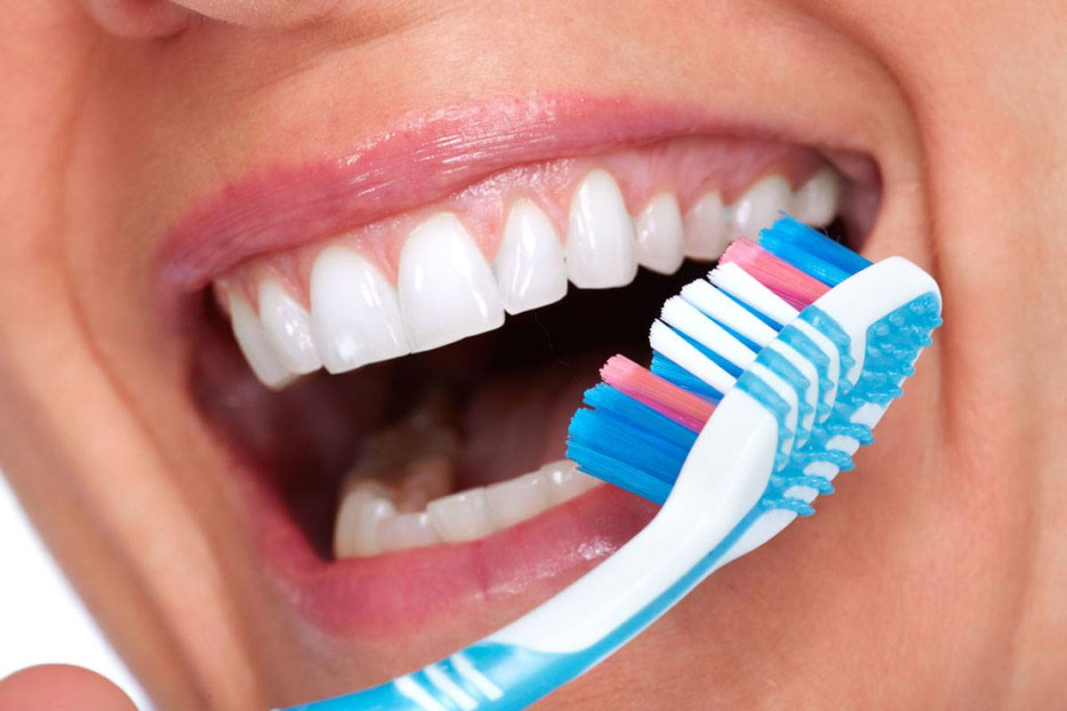 Боль после отбеливания зубов чем снять