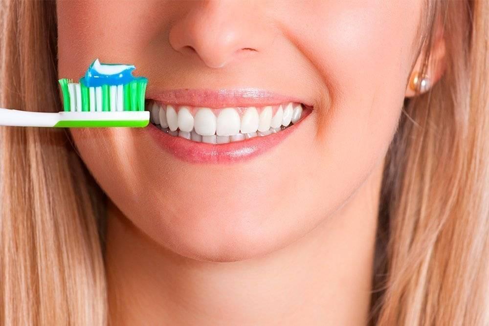 Пользу или вред приносит чистка зубным порошком?