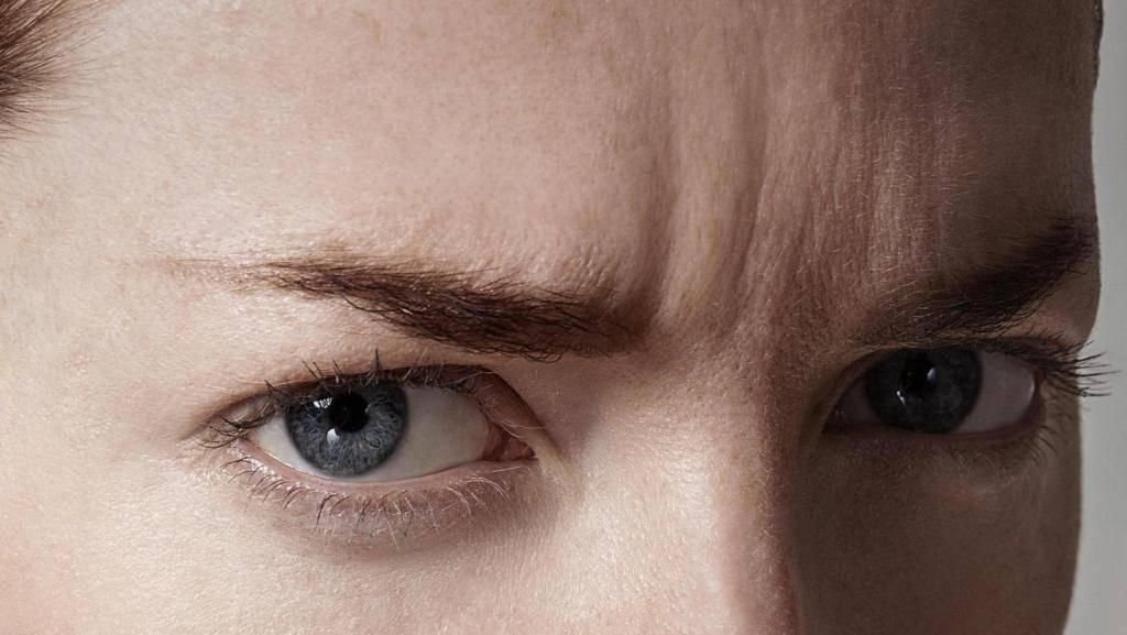 Как убрать морщины под глазами и возможно ли это вообще