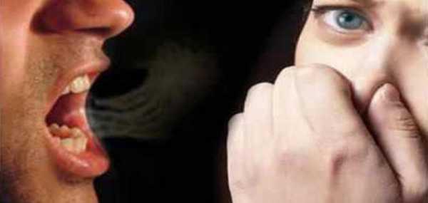 У ребенка неприятный запах изо рта: причины и лечение