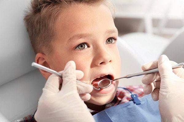 Особенности периодонтита молочных зубов у детей: классификация, причины, лечение патологии временных единиц