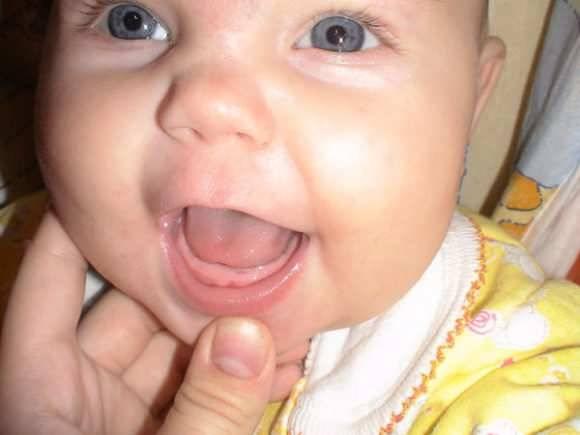 Сколько может держаться температура при прорезывании зубов у детей?