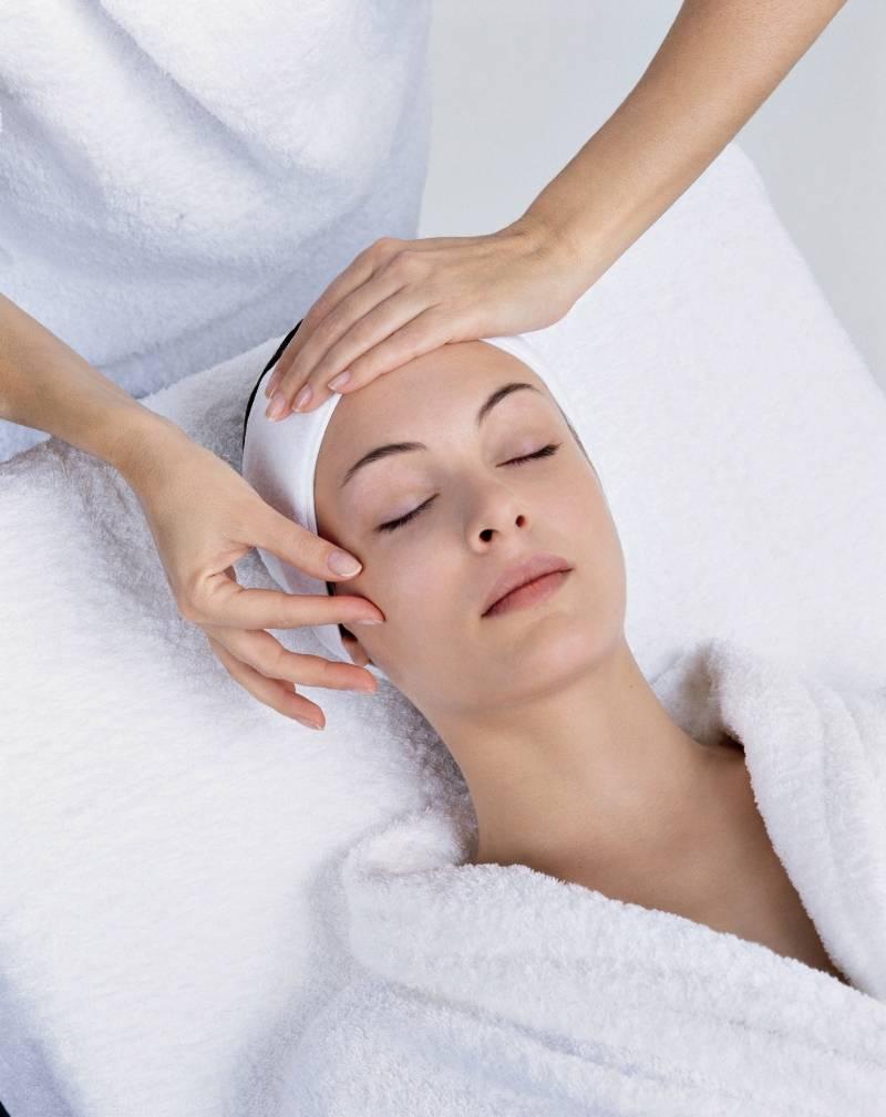 Какие процедуры включает аппаратная косметология в домашних условиях