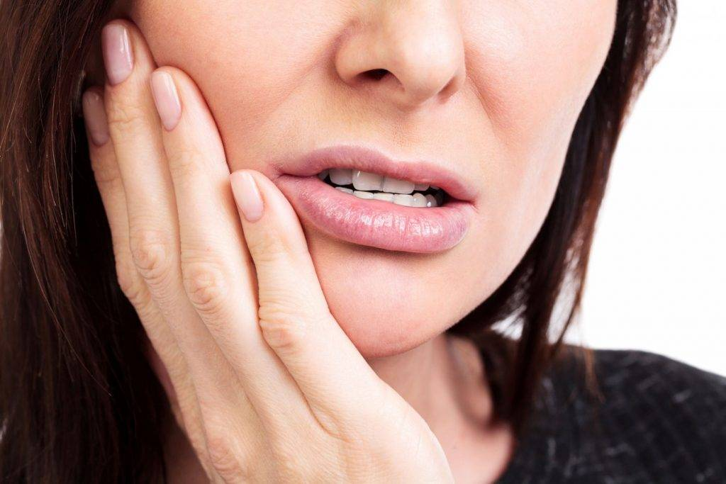 Запах изо рта как осложнение после удаления зуба
