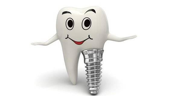 Какие съемные зубные протезы лучше при полном отсутствии зубов на верхней или нижней челюсти?