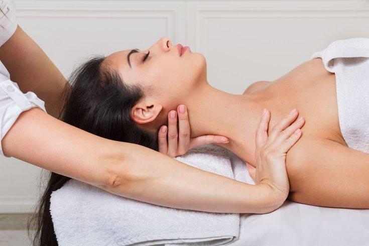 Как делать лимфодренажный массаж ног в домашних условиях?