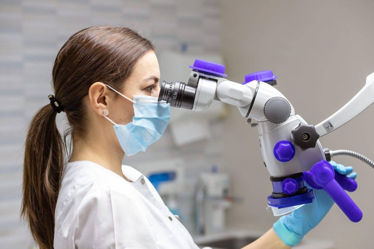 Лечение зубов под микроскопом: ювелирная точность и качество