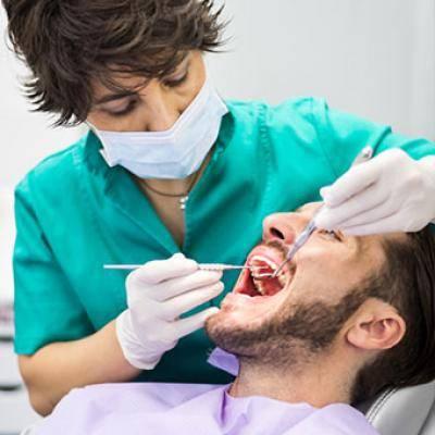 Какие симптомы после удаления зуба и какие осложнения могут быть?