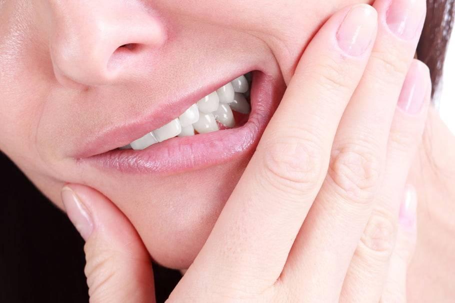 Надкостница зуба: почему воспаляется и болит и как ее лечить