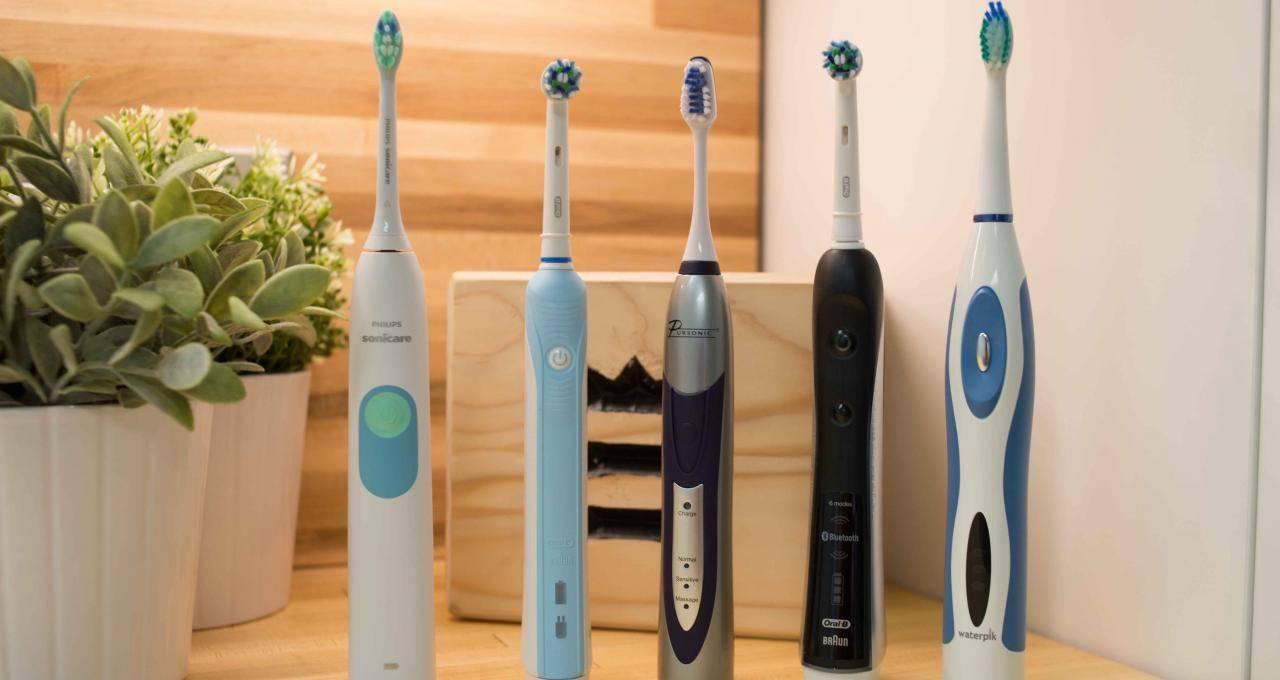 Какая зубная щетка подходит для чистки протезов? обзор популярных моделей