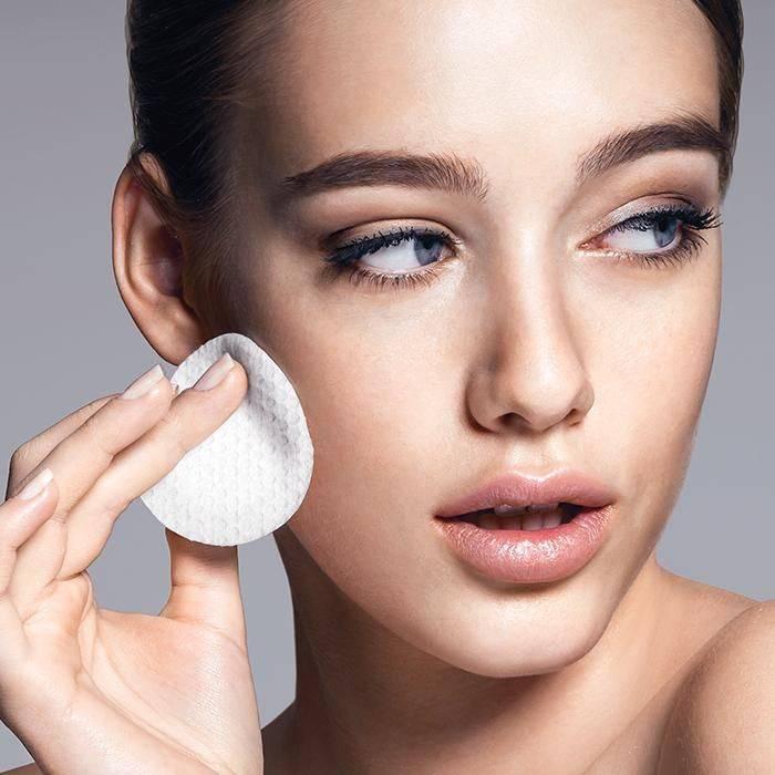 Чем и как можно избавиться от жирного блеска на лице: причины, устранение, средства