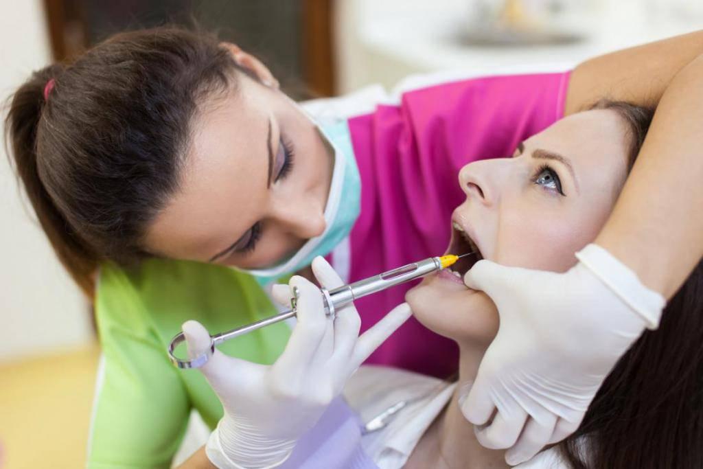 Когда пройдет боль после удаления зуба, как её облегчить