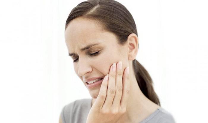 Почему может болеть горло после удаления зуба мудрости