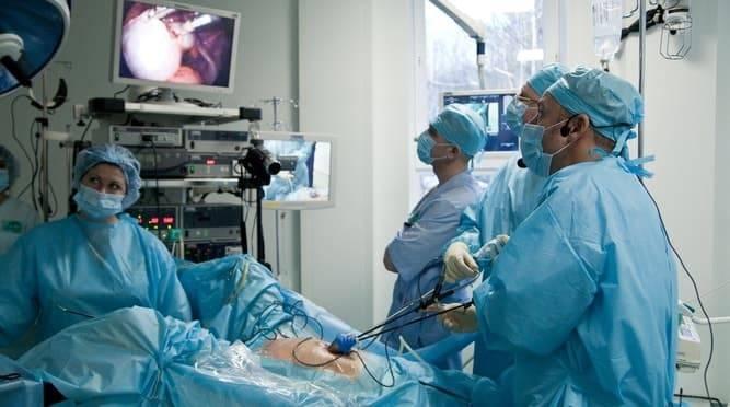 Резекция яичника: показания, способы, ход операции, осложнения, реабилитация