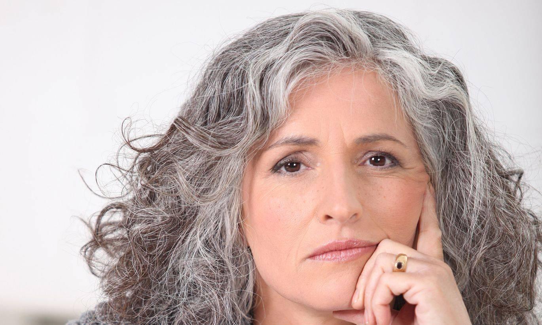 Седина в раннем возрасте. почему седеют волосы у молодых людей: причины ранней седины
