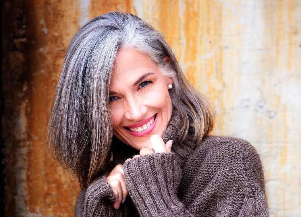 Почему седеют волосы в молодом возрасте и можно ли это остановить. причины, почему в молодом возрасте седеют волосы, чего не хватает в организме