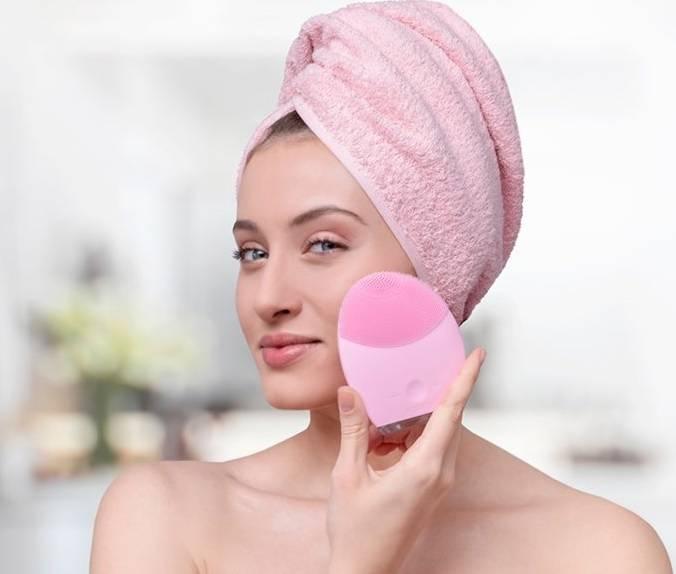 6 лучших моделей щеток для очищения лица по отзывам женщин – какую выбираете вы?